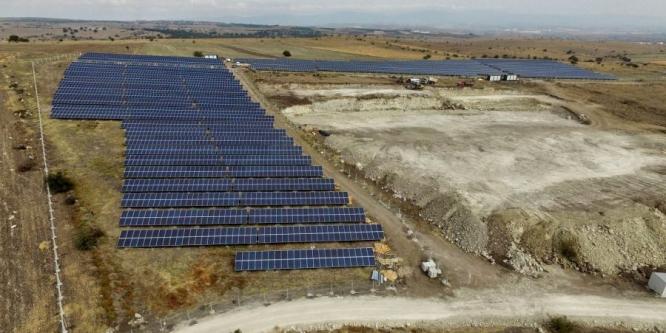 Bin hanenin ihtiyacı güneş enerjisiyle sağlanıyor