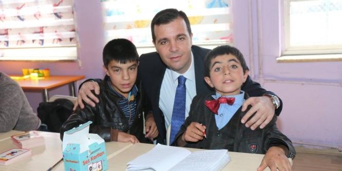 Kaymakam Vardar, okulları ziyaret etti