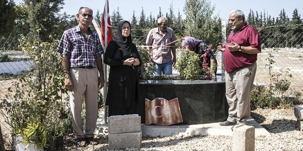 Ailelere paketledi, aileler mezarlıklara koştu