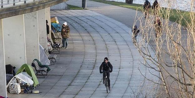 Almanya'da sokaklara düştüler