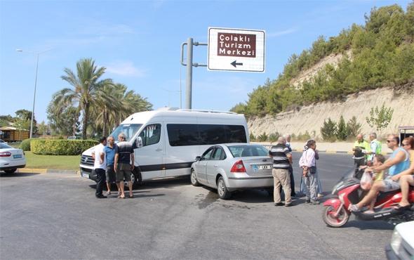 Antalya'da trafik kazasındaki tartışmayı polis sonlandırdı