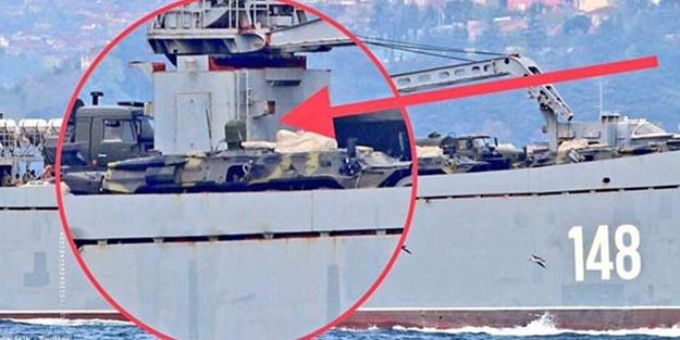 Boğazdan geçen Rus savaş gemisinde dikkat çeken ayrıntı!