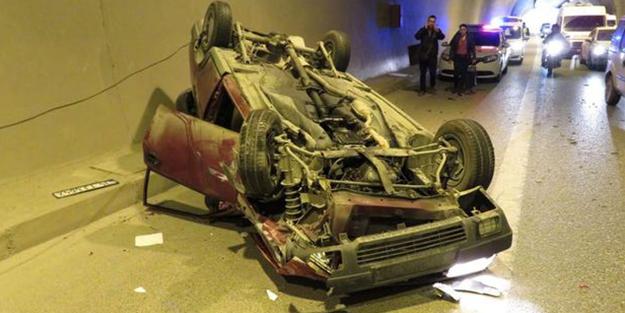 İstanbul'u kilitleyen kaza: 3 araç çarpıştı