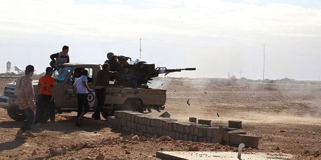 Libya'da çatışmalar yine başladı! Havalimanı uçuşlara kapatıldı