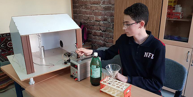 Liseli mucitten zehirli gazları temizleme cihazı