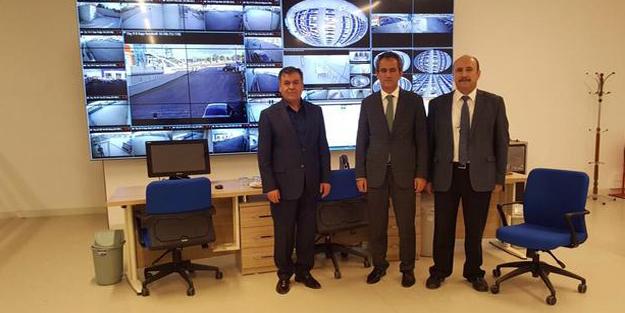 ÖSYM Başkanı Özer'den e-Sınav Merkezi'ne ziyaret