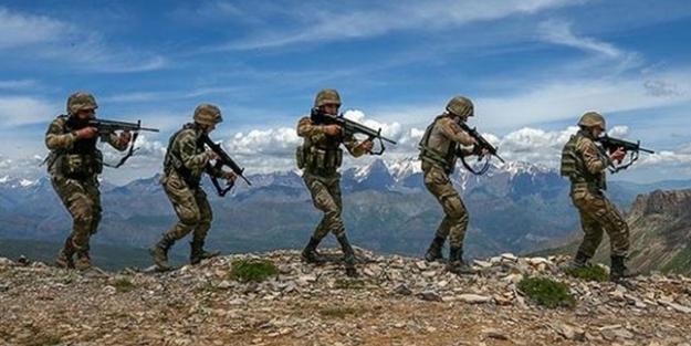 PKK'nın silahlarını Türkiye'ye teslim etmeye başladılar