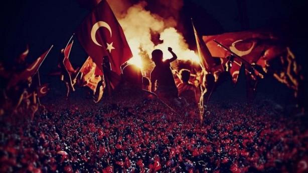 Foto - Fetullahçı Terör Örgütü, Türkiye'de iç çatışma çıkararak hükümete darbe girişimi gerçekleştirmişti.