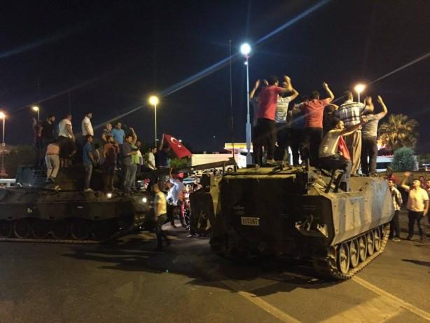 Foto - DARBE GECESİNİ ANLATMIŞTI - Albay Bayram Ölçücüoğlu darbe girişiminin ardından verdiği bir mülakatta o geceyi şu sözlerle anlatmıştı: