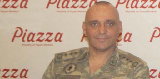 Foto - Albay Bayram Ölçücüoğlu ise verilen emirlere uymayarak kanlı girişimi engellemişti.