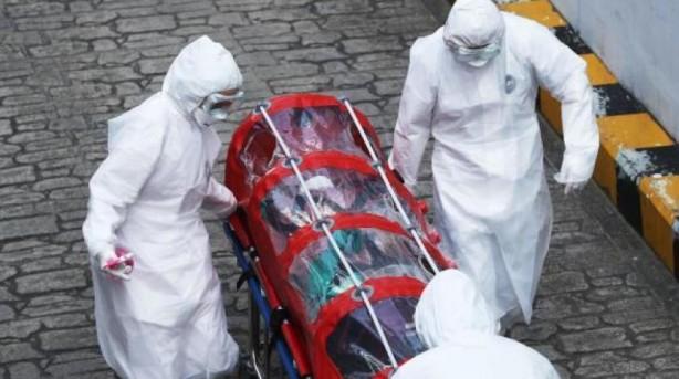 Foto - ÇİN'DEN DÜNYAYAY KORONA SALGINI: 6- Korona salgını tüm dünyayı etkisi altına aldı Çin'in Wuhan kentinde ortaya çıkan ve Covid-19 koronavirüs (koronavirüs), Antarktika hariç tüm kıtalara ve 120'den fazla ülkeye yayıldı. 2019 Aralık ayında görülen ve '2019-nCoV' olarak adlandırılan virüs, ilk kez Wuhan'daki hayvan pazarında balık satıcısı olan 49 yaşında bir kadında görüldü. Hastadan alınan örneklerin laboratuvarlarda test edilmesi sonucu Çinli yetkililer ve Dünya Sağlık Örgütü (WHO), enfeksiyonun koronavirüs (Corona Virus) olduğu sonucuna vardı ve 11 Mart 2020 tarihinde Koronavirüs'ün artık 'pandemik' seviyede olduğunu belirtti. Yarasa virüsüne yüzde 85 oranında benzerlik gösteren koronavirüsün damlacık ve yakın temas ile bulaştığı tespit edildi.