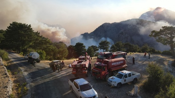 Akseki'deki yangında zarar gören alanlar böyle görüntülendi