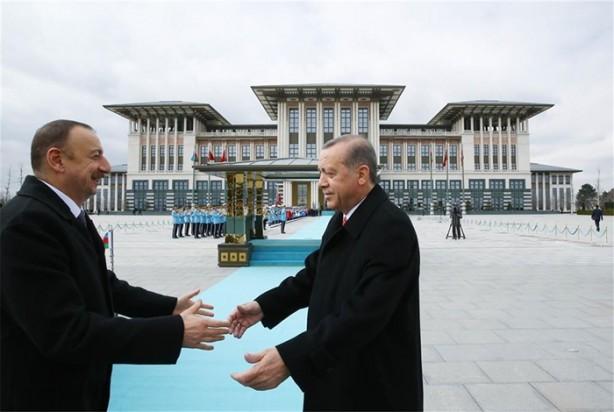 Aliyev Ankara'da