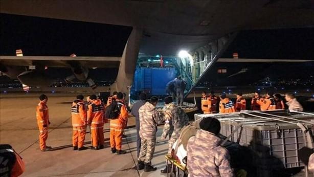 Askeri uçaklar dün gece Elazığ'a adeta hava köprüsü kurdu