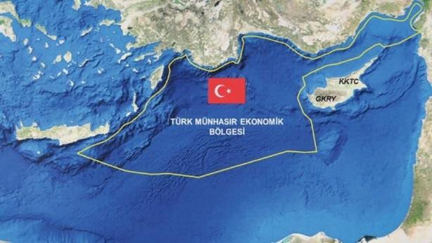 """Foto - NATO Daimi Deniz Görev Grubu-2 (SNMG-2) emrinde görevli Türk ve İspanyol fırkateynleri ile hücumbotları, Ege Denizi kuzeyinde eğitim tatbikatı icra etti. Milli Savunma Bakanlığından yapılan açıklamada, """"NATO Daimi Deniz Görev Grubu-2 (SNMG-2) emrinde görevli İspanyol ESPS ALVARO DE BAZAN ve TCG YILDIRIM fırkateynleri ile TCG DOĞAN ve TCG MARTI hücumbotları arasında 30 Temmuz'da Kuzey Ege'de deniz eğitimleri icra edildi"""" denildi."""