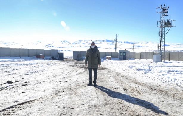 Foto - Bakan Soylu, yılın ilk sabahında üs bölgesinde komutanlardan bölgedeki son duruma ilişkin bilgi aldı. Soylu, sosyal medya hesabından