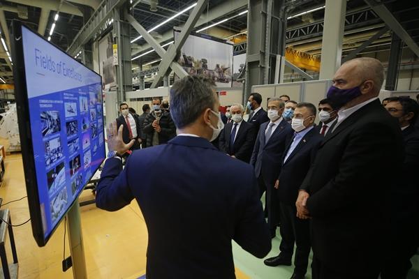 Foto - Türkiye'nin savunma sanayi alanında kapasitesinin yüzde 20'den 70'lere yükseldiğini vurgulayan Oktay, kapasitenin daha da artacağına işaret etti.