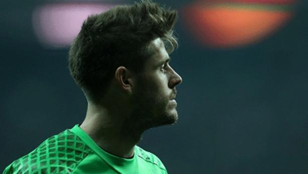 Beşiktaş kendisini olası bir finale taşıyacak maçı geçemeyince futbolcular büyük üzüntü yaşadılar.