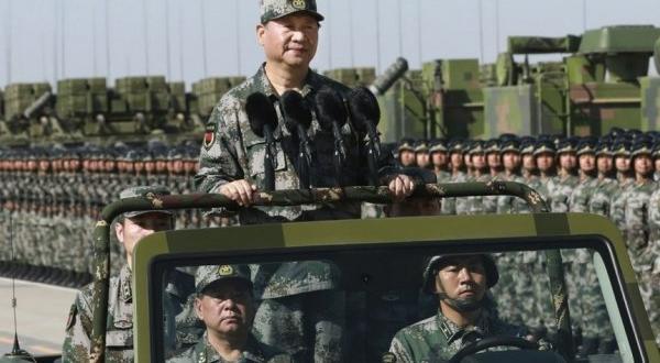 Foto - Çin liderinin askeri yetkililerle gerçekleştirdiği görüşme, Pekin'in yıllık savunma bütçesinde yüzde 6,6 oranında bir artış yapıldığını duyurmasından hemen sonraya denk geldi.