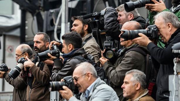 Foto - MEDYA ÇALIŞANLARI - Gazete, radyo ve televizyon çalışanları, gazete basım matbaaları görevlileri ve gazete dağıtıcıları.
