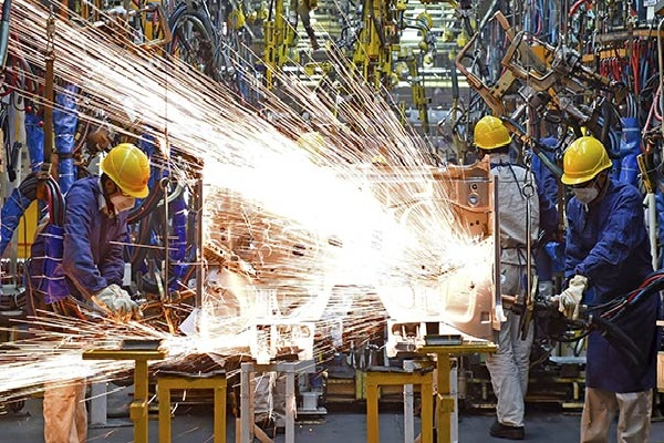Foto - SANAYİ İŞÇİLERİ - Üretim ve imalat tesislerinde çalışanlar.