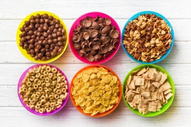 Foto - - Genellikle diyet listelerinin ilk sıralarında yer alan gevrekler, melankolik ruh haline neden olduğu ortaya çıkan yiyeceklerden bir diğeridir. Araştırmacılar, gevreklerin fazla şeker barındırdığı ve bu durumun kandaki insülini değerlerini olumsuz etkilediğinden diyet listelerinden çıkarılması gerektiğini vurgulamaktadır.