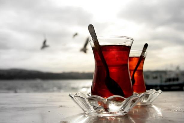 Her gün düzenli çay içmenin, hafıza kaybı riskini yüzde 50 oranında azalttığı bildirildi.