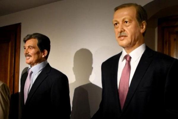 Foto - Yılmaz Büyükerşen tarafından yapılan heykellerin yer aldığı müzede, 11'inci Cumhurbaşkanı Abdullah Gül ve Türkiye Cumhuriyeti Devletinin ilk Başkanı Recep Tayyip Erdoğan'ın heykelleri de yer aldı.