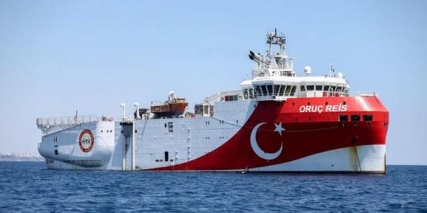 Foto - Buna göre Oruç Reis sismik araştırma gemisi, Ataman ve Cengiz Han isimli gemilerle birlikte Doğu Akdeniz'de Kıbrıs açıklarında daha önce ilan edilen bölgede sismik çalışmalarını yürütüyor. Oruç Reis sismik araştırma gemisi, kıta sahanlığı ve doğal kaynak aramaları başta olmak üzere her türlü jeolojik, jeofizik, hidrografik ve oşinografik araştırmaları gerçekleştirebiliyor.
