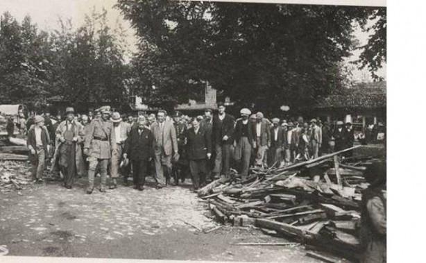 Foto - Hendek Depremi (1943) - 6.6 20 Haziran 1943 Hendek / Adapazarı merkezli gerçekleşen 6.6 şiddetindeki depremde 336 kişi hayatını kaybetti.