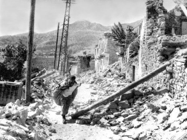 Foto - Gerede Depremi (1944) - 7.5 1 Şubat 1944 Bolu / Gerede merkezli meydana gelen 7.5 şiddetindeki depremde 3959 kişi yaşamını kaybetti.