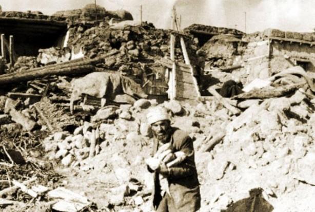 Foto - Horosan Depremi (1924) - 6.8 13 Eylül 1924 Erzurum / Horasan merkezli gerçekleşen 6.8 şiddetindeki depremde 60 kişi hayatını kaybetti.