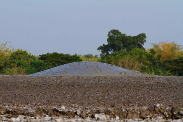 Endenozya'da 2006'da büyük bir felakete sebep olan çamur patlaması bugün fotoğrafçıların uğrak yeri.