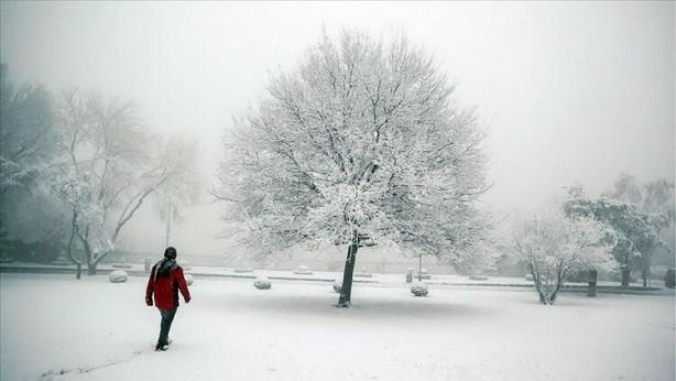 Foto - Buna göre, Balkanlar üzerinden gelecek kar yağışı, 27 Ocak Çarşamba günü Trakya'dan Türkiye'ye giriyor.