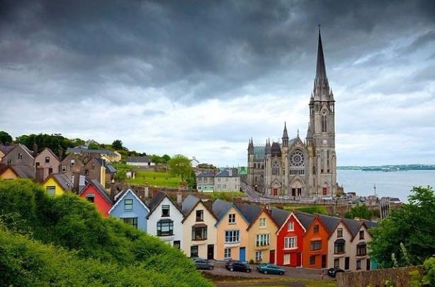 47 İRLANDA<br>Dindar bir insanım: 40% Dindar değilim: 47% Ateistim: 9% Yanıt yok: 4%