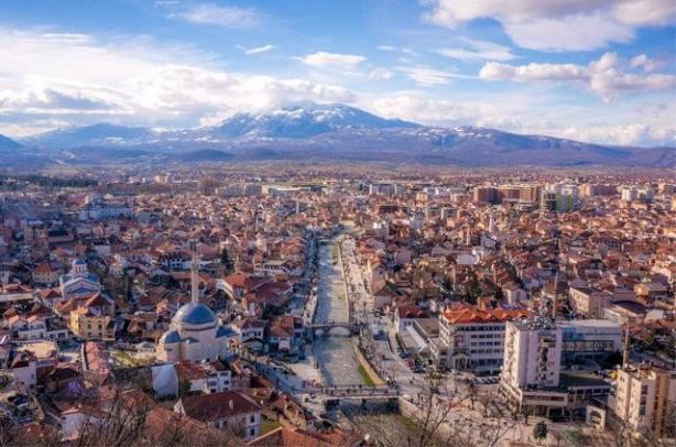 7 KOSOVA<br>Dindar bir insanım: 94% Dindar değilim: 3% Ateistim: 0% Yanıt yok: 3%