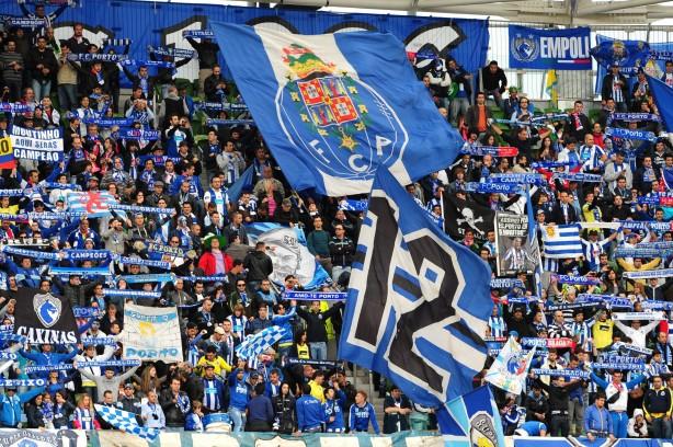 Foto - Avrupa futbolunun önemli kulüpleri arasında yer alan Portekiz ekibi Porto koronavirüs nedeniyle ekonomik anlamda zor günler geçiriyor.