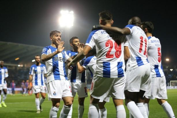 Foto - Portekiz ekibi, bu durumdan kurtulabilmek için takımdaki bütün futbolcuları satış listesine koydu.