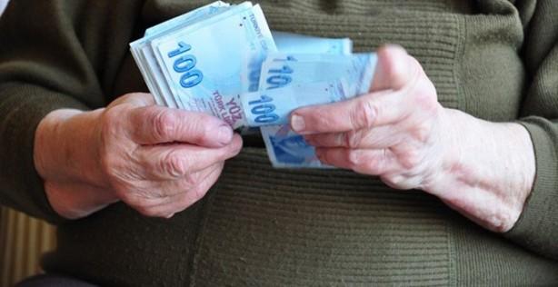 Foto - Emekli maaşlarıyla ilgili son dakika haberleri geliyor. Emekliler için 2020 kazanç yılı oldu. Ocak'ta maaşları artan, ikinci promosyonunu zamlı alma imkanına kavuşan, Ramazan Bayramı ikramiyesini erken cebine koyan emeklilerin, 650 bininin aylık geliri de bin 500 liraya yükseltildi.