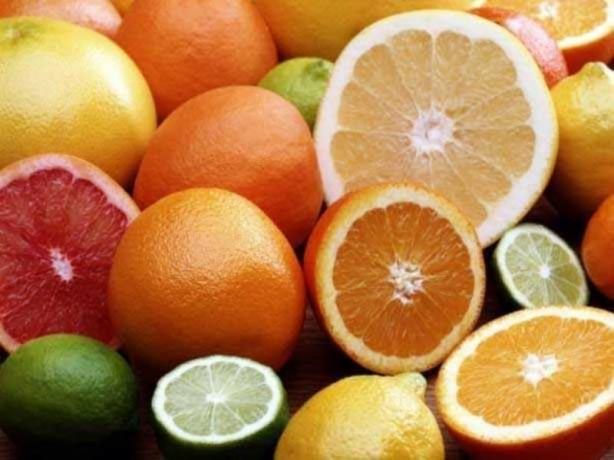 Foto - Portakal, mandalina ve greyfurt: Antioksidan etki gösteriyor, C vitaminiyle vücudunuzun sigaraya olan ihtiyacını azaltıyor.