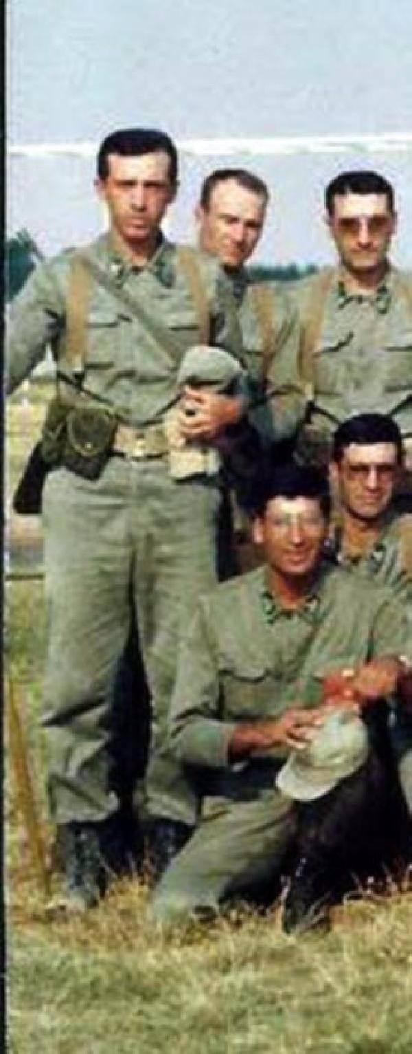 Erdoğan'ın yıllar sonra ortaya çıkan askerlik fotoğrafları