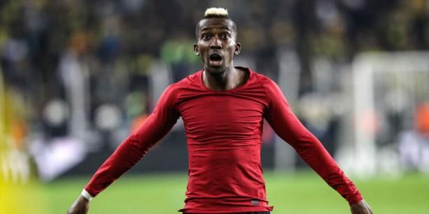 Foto - SATIN ALMA MADDESİ -Galatasaray, Henry Onyekuru'yu Monaco'dan 1.5 sezonluğuna zorunlu satın alma maddesiyle kiralayacak. Böylece FFP sona erdiğinde, Sarı-Kırmızılılar'ın bonservis ödemesi için oyuncu satma zorunluluğu ortadan kalkacak. Oyuncu satma zorunluluğu ortadan kalkacak. Ayrıca bu rakamın da mümkün olduğunca uygun tutulması adına Fransız kulübüyle görüşmelerin sürdüğü öğrenildi. Menajer D'Avila, maksimum 8 milyon Euro civarında bir bedelle bu işi bitirebileceğinin garantisini yönetime vermiş durumda.