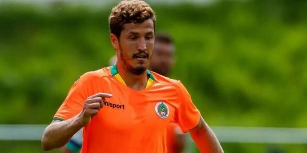 Foto - SALİH UÇAN ADIM ADIM ASLAN'A - Gelecek sezonun kadrosunu da şimdiden şekillendirmeye başlayan Galatasaray, gözünü şimdi de Salih Uçan'a çevirdi. Alanyaspor'la sözleşmesi sezon sonunda bitecek olan 26 yaşındaki orta saha oyuncusuyla Ocak ayında ön protokol yapacak olan Sarı-Kırmızılılar, Temmuz'da da bonservisini alacak. Teknik patron Fatih Terim'in listesinde yer aldığı öğrenilen Salih'in transferiyle birlikte, orta sahada güçlü bir yerli alternatifi oluşacak.
