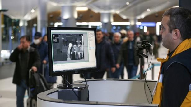 Foto - Sağlık Bakanlığınca, 23 Ocak'ta, Çin'den gelen tüm uçaklardaki yolcuların uçaktan inişte termal kameralarla taranması kararı alındı.