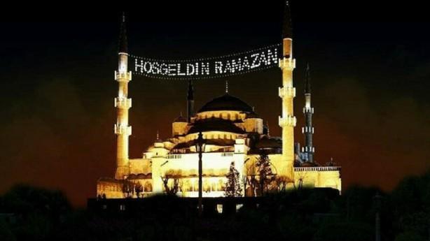 Foto - Ramazan Bayramı da Türkiye'nin 81 ilinde arife günü ve bayram boyunca uygulanan sokağa çıkma kısıtlaması nedeniyle buruk geçti.