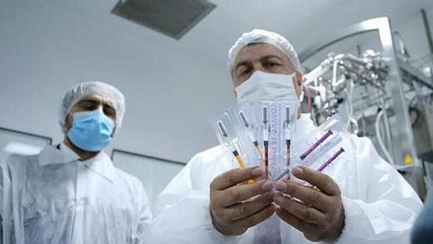 Foto - Sağlık Bakanı Fahrettin Koca, 3 Ekim'de, Kovid-19 ile ilgili yürütülen 13 yerli aşıdan 3'ünde hayvan deneme çalışmalarının başarıyla tamamlandığı, insan üzerinde deneme aşamasına geçildiğini açıkladı.