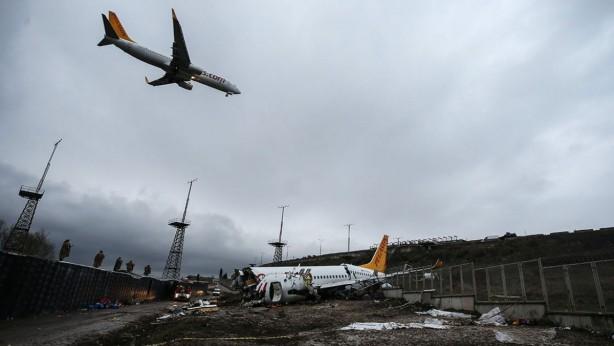 Foto - İstanbul Sabiha Gökçen Havalimanı'nda Pegasus Hava Yolları'na ait uçağın 5 Şubat'ta pistten çıkması sonucu 3 yolcu hayatını kaybetti.