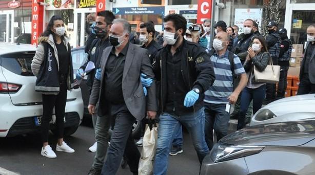 Foto - Ankara Cumhuriyet Başsavcılığının, 2014'te Kobani bahanesiyle düzenlenen eylemlere ilişkin soruşturması kapsamında gözaltına alınan, aralarında Ayla Akat Ata, Emine Ayna ve HDP'li Kars Belediye Başkanı Ayhan Bilgen'in de yer aldığı 17 kişi 2 Ekim'de tutuklandı.