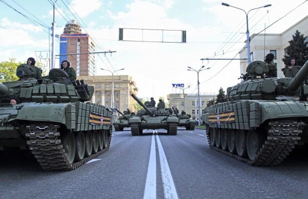 Gerilim tırmanıyor! Rusya 480 tank ve 900'den fazla zırhlı araç gönderdi