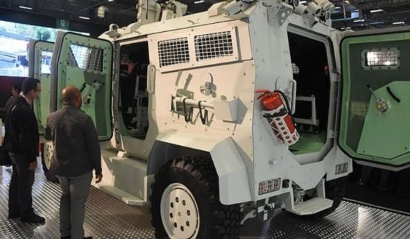 Foto - Askeri Sürücüsüz Araç Prototipi, opsiyonel olarak uzaktan bir operatör müdahalesi ile de görev yapabilecek. Araç, girilmesi zor ve tehlikeli yerlerde, silahlı kuvvetler için veya yardım amaçlı askeri ve sivil görevlerde risk olmaksızın kullanılabilecek.